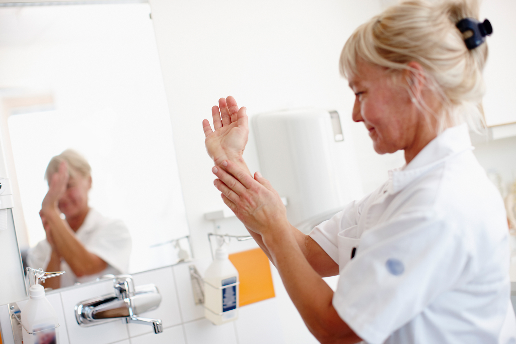 basala hygienrutiner i vård och omsorg